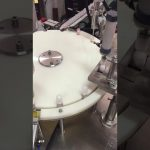 automatisk lille flaske lotion påfyldning og afdækning maskine